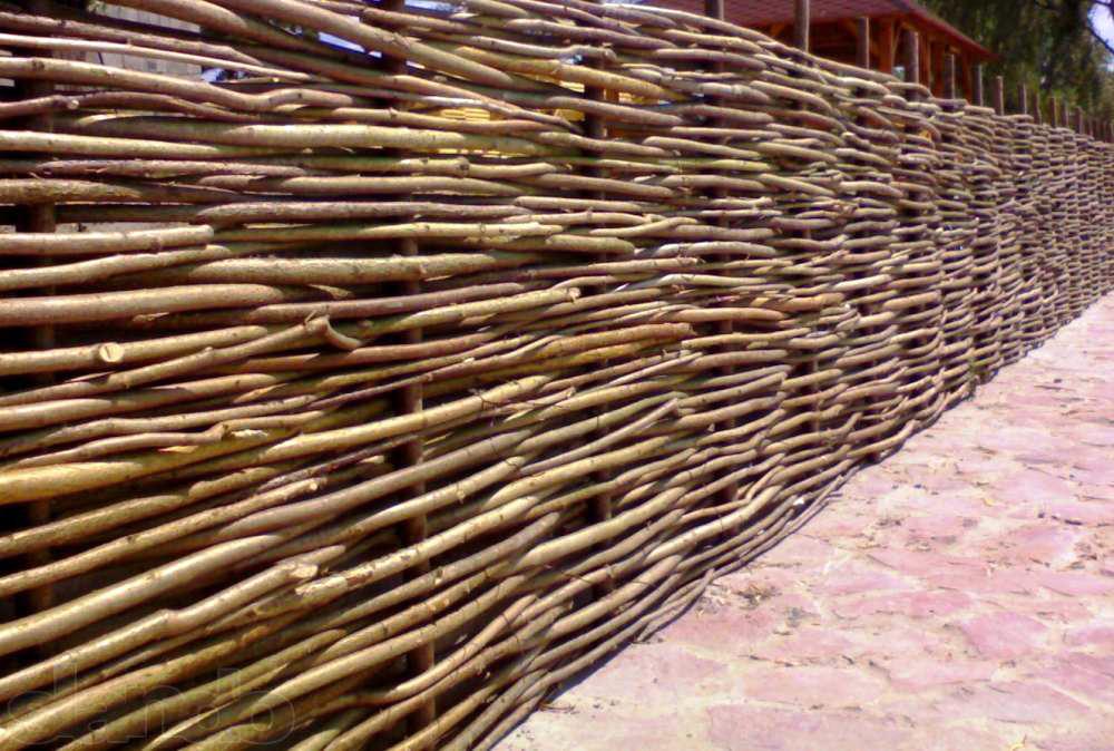 Забор с сеткой своими руками