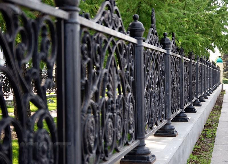 Чугунный забор: литье